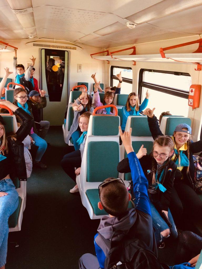 6 768x1024 - Дети едут на отдых в лагерь на пригородном поезде