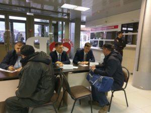 IMAG1451 300x225 - На саратовском вокзале прошёл День пассажира!