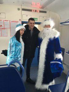 IMG 3024 26 12 18 09 52 225x300 - Поздравления в поездах с Новым годом 24 - 28 декабря