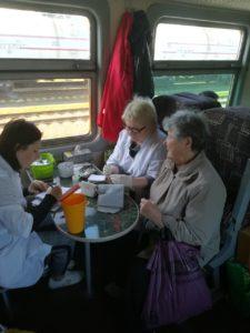 IMG 0ef721b0d1bd9f1dcfb1d77b720699a5 V 225x300 - Для пассажиров проведена акция «Поезд ЗДОРОВЬЯ»